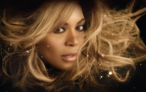 "Beyonce ""Rise"" fragrance"