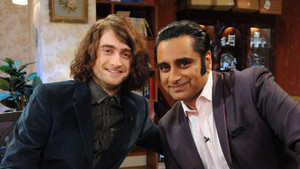 Daniel Radcliffe Guest Appearance On 'The Kumars' Episode (Fb.com/.com/DanielJacobRadcliffeFanClub)