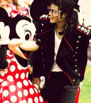 Michael Jackson And Minnie souris
