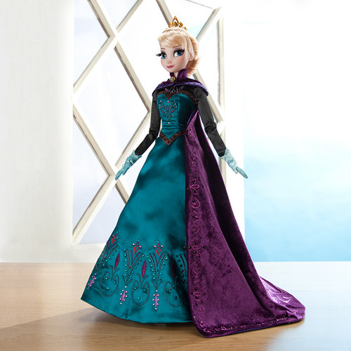 Elsa the Snow Queen hình nền probably containing a kirtle entitled NEW Limited Edition Elsa Doll