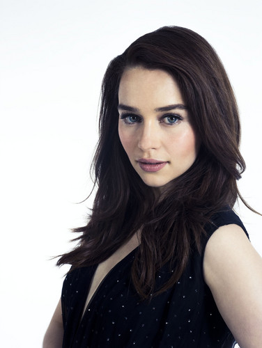 Emilia Clarke fond d'écran possibly containing a portrait titled Emilia Clarke