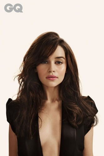 Emilia Clarke fond d'écran probably with attractiveness and a portrait entitled Emilia Clarke