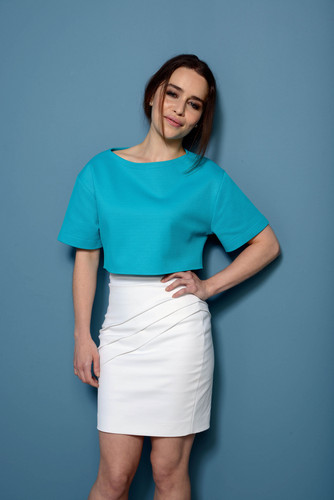 Emilia Clarke fond d'écran possibly containing a jupe and a chemise called TIFF 2013E