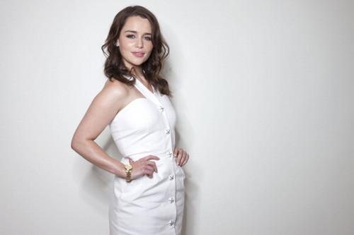 Emilia Clarke fond d'écran titled Emilia Clarke