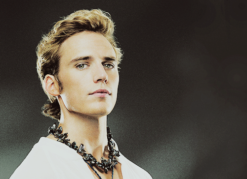 Finnick Odair wallpaper possibly with a portrait titled Finnick Odair