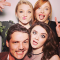 Natalie Dormer, Sophie Turner, Pedro Pascal & Maisie Williams - game-of-thrones photo