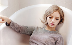 Hyeri 'Something'