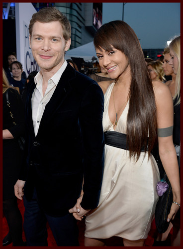 Joseph Morgan wallpaper possibly with a business suit called Joseph Morgan - People Choice Awards 2014 red carpet