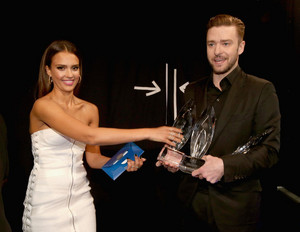 JT and Jessica Alba at PCAs 2014 (Jan 8th)