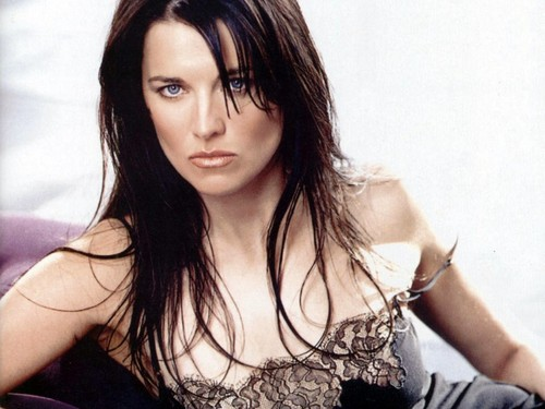 Lucy Lawless wallpaper with a portrait called Lucy Lawless