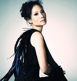 루시 루 바탕화면 titled Lucy Liu Photoshoot