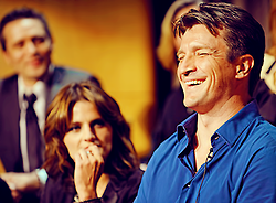 Nathan Fillion & Stana Katic karatasi la kupamba ukuta called Stanathan at the Paleyfest