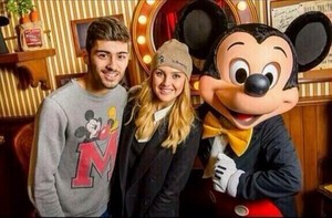 Zerrie at Disneyland♥