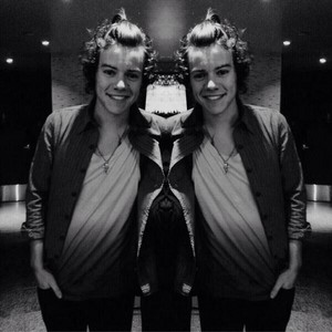 Harry Styles; Ponytail!♥