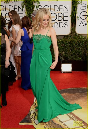 Taylor Schilling at the 2014 Golden Globes