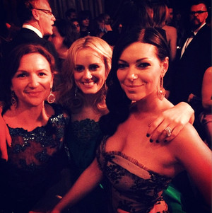 2014 Golden Globes Laura Prepon and Taylor Schilling