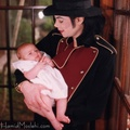 Michael And Baby Paris Back In 1998 - paris-jackson photo