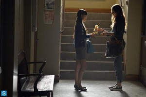 Pretty Little Liars - Episode 4.18 - Hot for Teacher - Promotional foto's