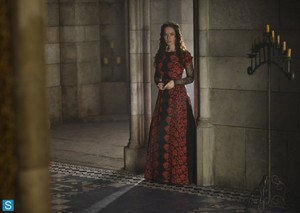 Reign - Episode 1.10 - Sacrifice - Promotional фото