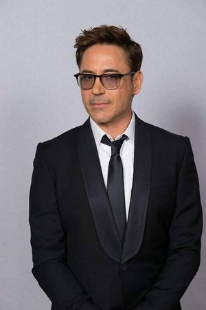 Robert at the 71st Golden Globe Awards.