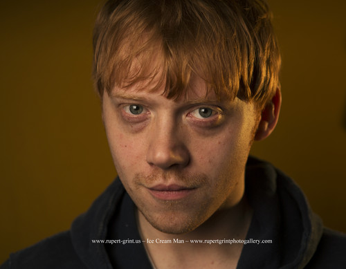 rupert grint wallpaper possibly with a portrait called THE GUARDIAN PHOTOSHOOT por RICHARD SAKER