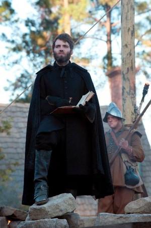 Salem 1x01
