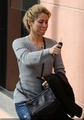 Shakira walking - shakira photo