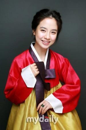 Ji Hyo with Hanbok