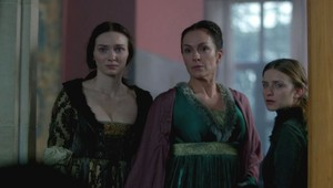 anne and isabel with mother