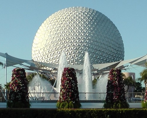 Walt Disney World wallpaper possibly with a fountain entitled Epcot golf ball