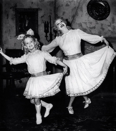 What Ever Happened to Baby Jane? fond d'écran containing a polonaise and a kirtle, rapporté entitled Bette Davis and Julie Allred
