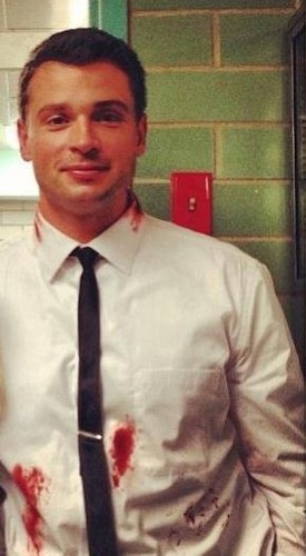 Tom Welling Hintergrund possibly with a business suit, a dress shirt, and a suit entitled tom welling