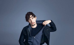 """""""Black and Blue"""" Campaign For Gap"""
