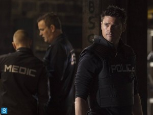 Almost Human - Episode 1.09 - Unbound - Promotional foto's