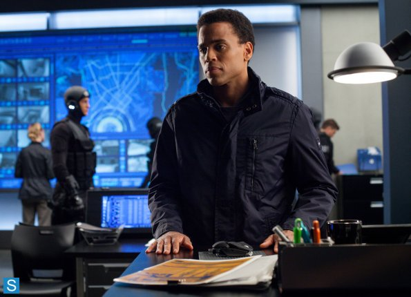 Almost Human - Episode 1.10 - Perception - Promotional Fotos