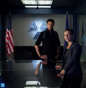 Almost Human - Episode 1.10 - Perception - Promotional fotografias