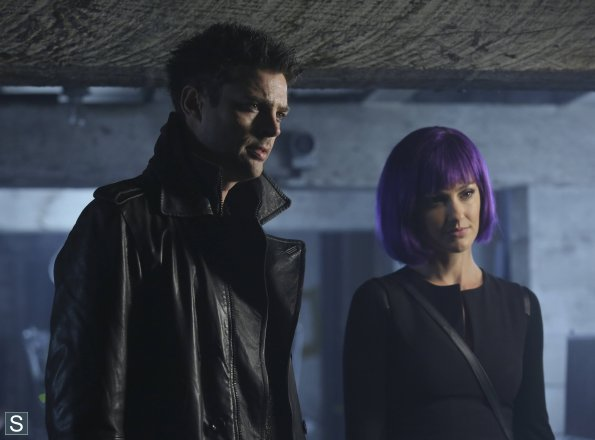 Almost Human - Episode 1.11 - Disrupt - Promotional 사진