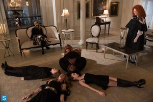 American Horror Story - Episode 3.13 - The Seven Wonders - Promotional 照片