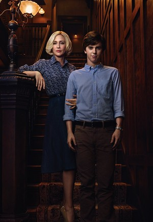 Norma and Norman Bates S.2