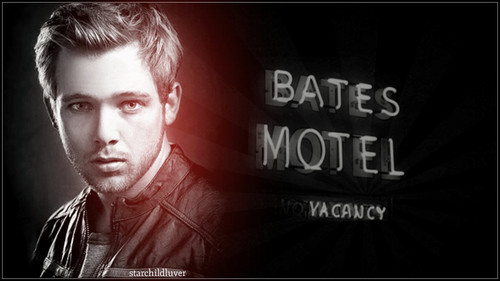 Bates Motel karatasi la kupamba ukuta possibly containing a sign and a portrait entitled Bates Motel s2