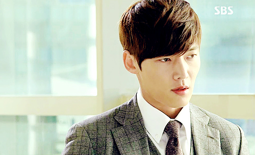 Choi Jin Hyuk achtergrond probably with a business suit titled Choi Jin Hyuk