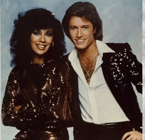 """Solid Gold"" Co-Hosts, Marilyn McCoo And Andy Gibb"