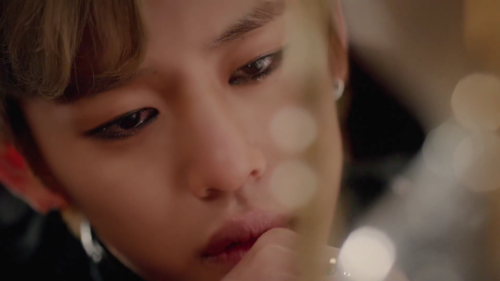 Daehyun Hintergrund probably containing a portrait titled Daehyun - 1004(Angel) M/V