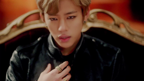 Daehyun Hintergrund probably containing an outerwear and a well dressed person called Daehyun - 1004(Angel) M/V