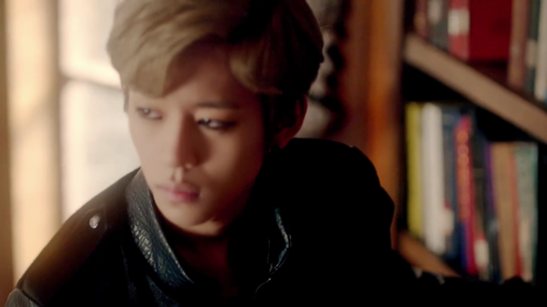 Daehyun Hintergrund with a bookshop titled Daehyun - 1004(Angel) M/V