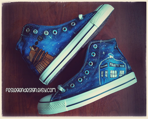 Doctor Who Custom Converse / Tardis