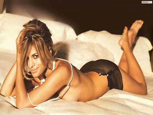Eva Mendes wallpaper containing a bikini and skin called Eva