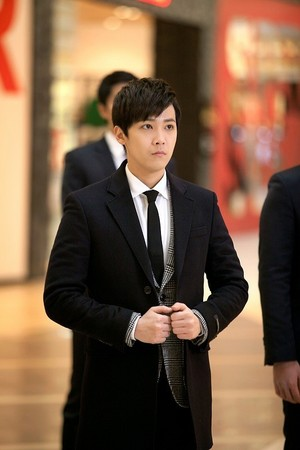 Hongki 防弹少年团 照片 from 'Bride of the Century'