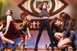 fifth harmony performing at এমটিভি artist to watch