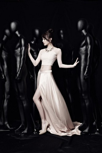 Girl's Day wallpaper probably containing a dinner dress and a gown entitled Girl's Day - Something Teaser photo (MinAh)